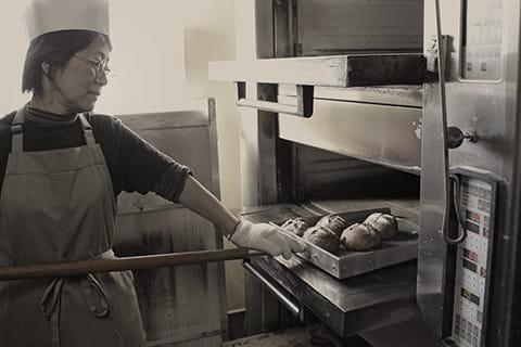 パン舎のパン職人 兼 オーナー